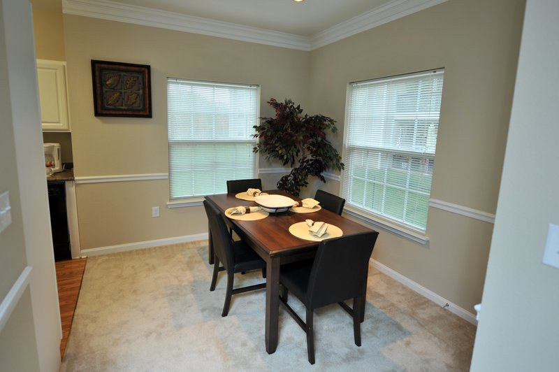 Midlothian Furnished Apartment Dining Room