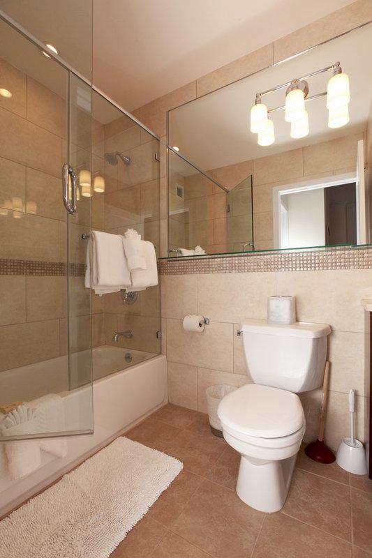 New York Furnished Apartment Bathroom