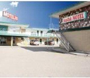 Exterior view - Sun Dek Motel Medicine Hat