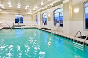 Pool - Country Inn & Suites by Radisson Mechanicsburg