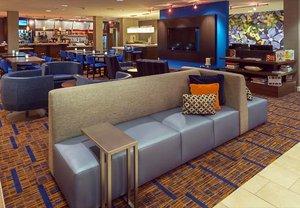 Lobby - Courtyard by Marriott Hotel Lakewood