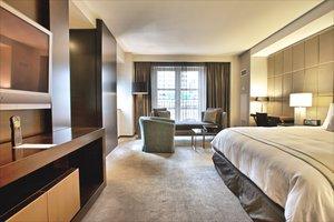 Suite - Hazelton Hotel Toronto