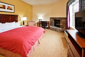 Room - Country Inn & Suites by Radisson Helen