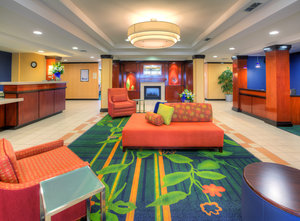 Lobby - Fairfield Inn & Suites by Marriott Laredo