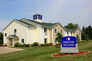 Exterior view - Cobblestone Inn & Suites Clintonville
