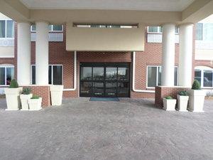 Exterior view - Holiday Inn Express Hotel & Suites Northwest Emporia