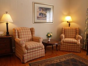 Room - Woodlawn Inn Cobourg