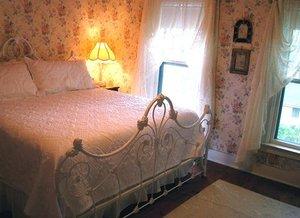Room - Bridge Street Inn Charlevoix