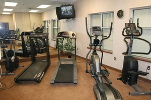 Fitness/ Exercise Room - Humphry Inn & Suites Winnipeg