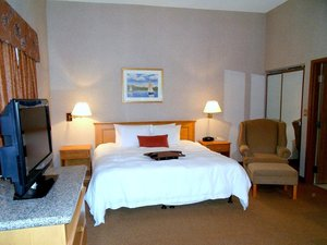 Room - Humphry Inn & Suites Winnipeg