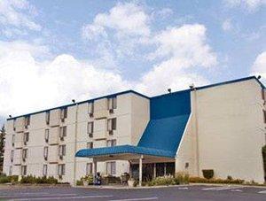 Exterior view - Roseville Inn & Suites