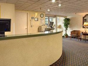 Lobby - Roseville Inn & Suites