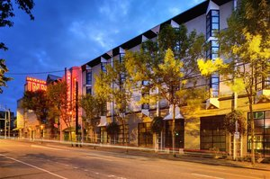 Exterior view - Staypineapple University Inn Seattle