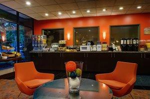 Restaurant - Staypineapple University Inn Seattle