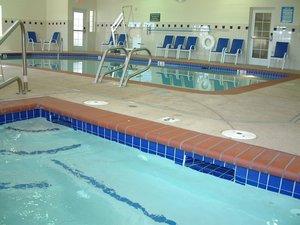 Pool - Brookside Inn & Suites White City
