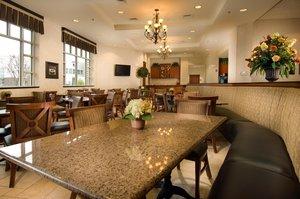 Bar - Drury Inn & Suites West Des Moines