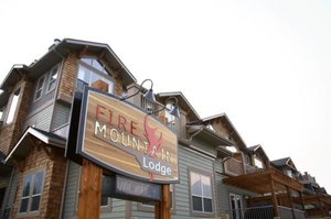 Exterior view - Fire Mountain Lodge Canmore