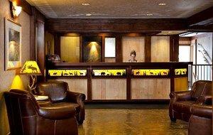 Lobby - High Country Inn Banff