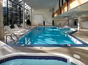 Pool - High Country Inn Banff