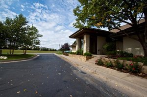Exterior view - Inn at Tallgrass Wichita