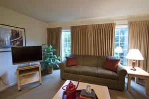 Suite - Inn at Tallgrass Wichita