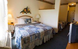 Room   Blue Gate Garden Inn Shipshewana ...