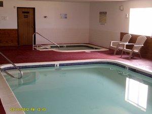 Pool - Capri Inn & Suites Beatrice