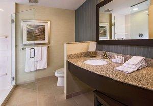 Room - Courtyard by Marriott Hotel Lansing