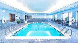 Pool - Holiday Inn Express Hotel & Suites Elkton