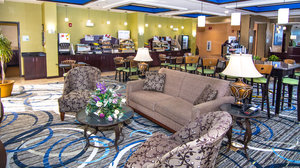 Lobby - Holiday Inn Express Hotel & Suites Elkton