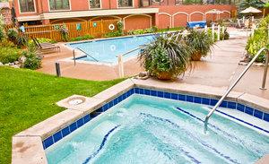 Pool - Montaneros Condos Vail