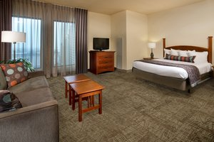 Room - Staybridge Suites New Orleans