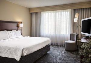 Room - Courtyard by Marriott Hotel Shawnee