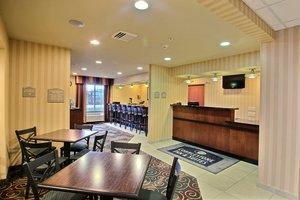 Lobby - Boarders Inn & Suites Oshkosh