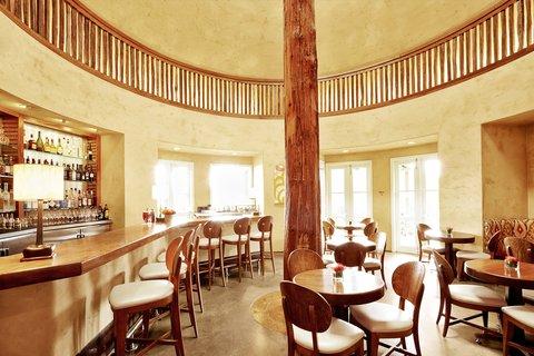 Auberge Bistro &Bar