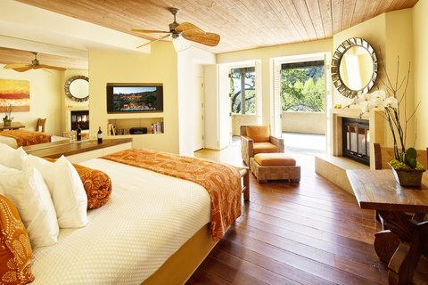 Auberge King Bedroom