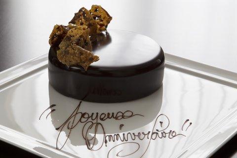 La Reserve Paris Happy Birthday