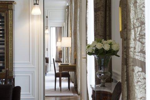 Grand Palais Suite