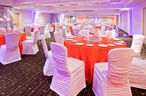 Ballroom - Crowne Plaza Hotel Bloomington