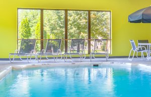 Pool - Holiday Inn Express Hotel & Suites Westampton