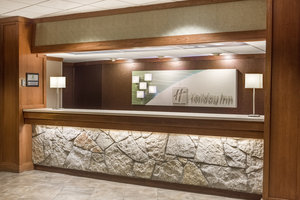 Lobby - Holiday Inn Hotel & Suites Northwest Des Moines