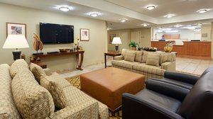Lobby - Candlewood Suites West Reading