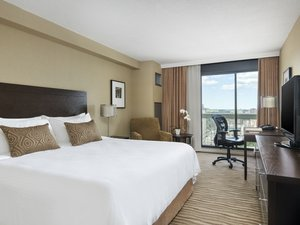 Room - Chelsea Hotel Toronto