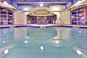Pool - Holiday Inn Hotel & Suites Council Bluffs