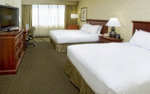 Room - DoubleTree by Hilton Hotel Overland Park