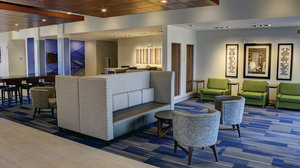 Lobby - Holiday Inn Express Hotel & Suites Spencer