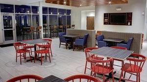 Restaurant - Holiday Inn Express Hotel & Suites Spencer