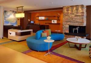 Lobby - Fairfield Inn & Suites by Marriott Northampton