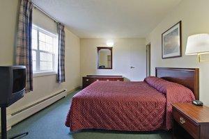 Room - Crossland Economy Studios Lakewood