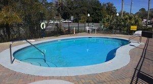 Pool - Apalachicola Bay Inn